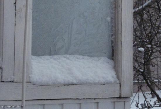 Снег на окнах